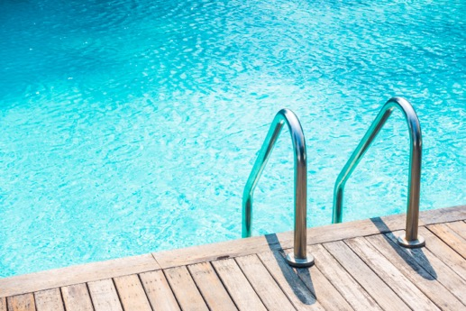 Comment préserver l'équilibre de l'eau d'une piscine