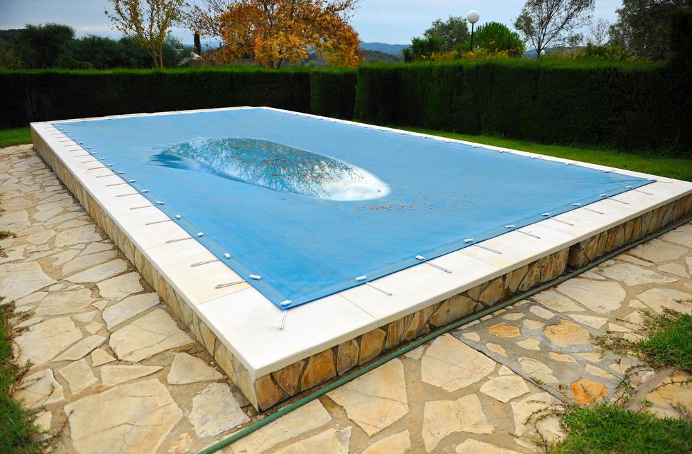 Bache d'hiver pour piscine enterrée