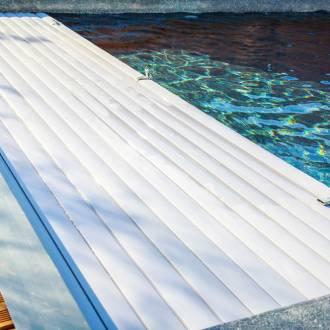 Couverture pour piscine avec volet roulant