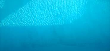 Comment enlever les taches sur une piscine ?